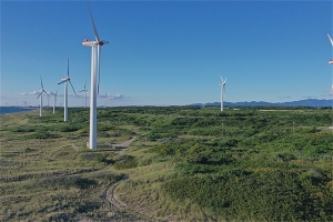 秋田県沿岸の風車
